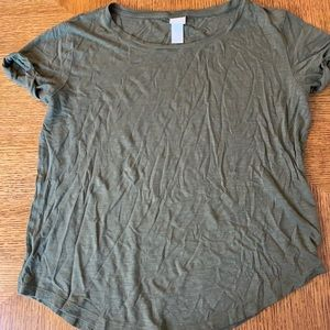 💝 Free with purchase H&M olive tee